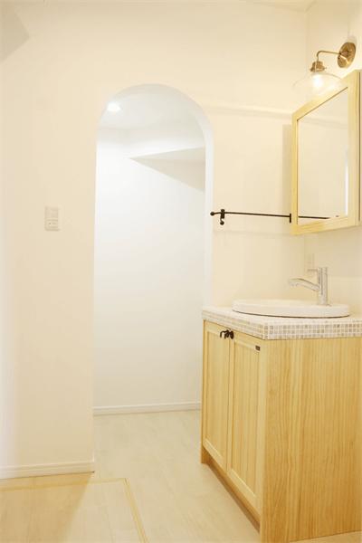 洗面横収納スペース