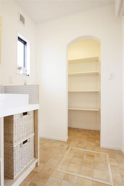 洗面収納スペース